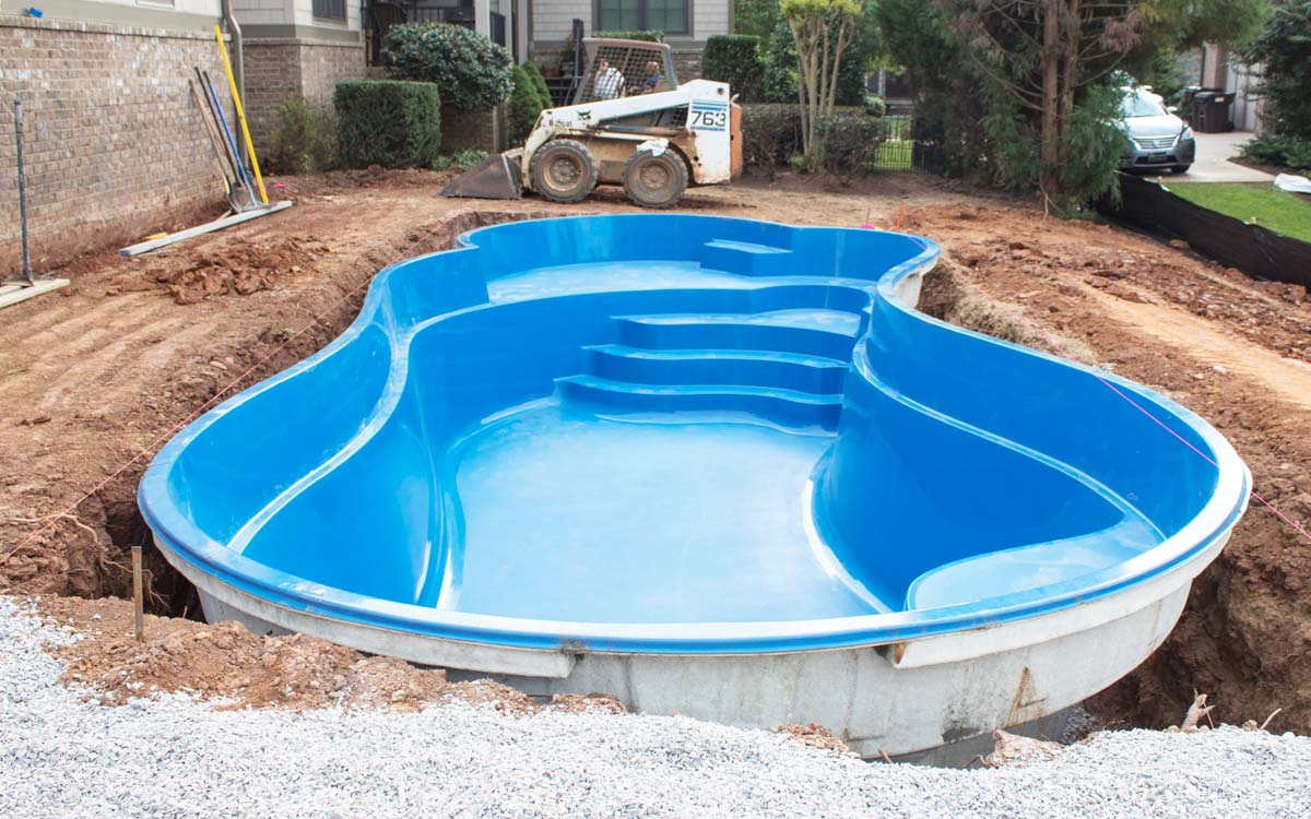 fibreglass swimming pool installation