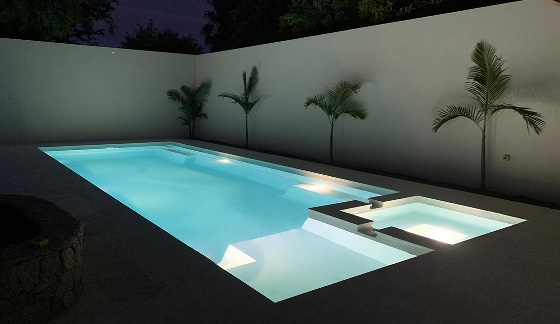 Leisure Pools Absolute Shimmer White