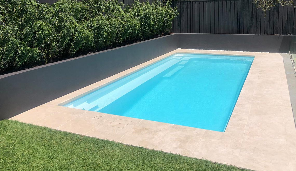 Leisure Pools Reflection Shimmer White